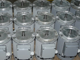 5cbd7ba49cbee-Электродвигатели